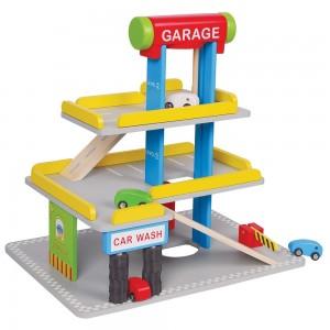 Lelin Toys Дървен паркинг с бензиностанция и автомивка